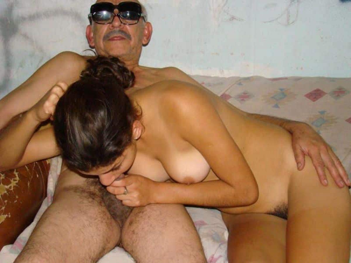 Abuelo Porno me cogí a mi vecino que tiene muchos años más que yo, podría