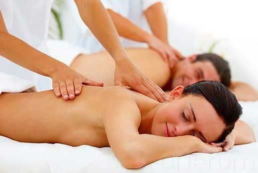 fuera de masaje rubia