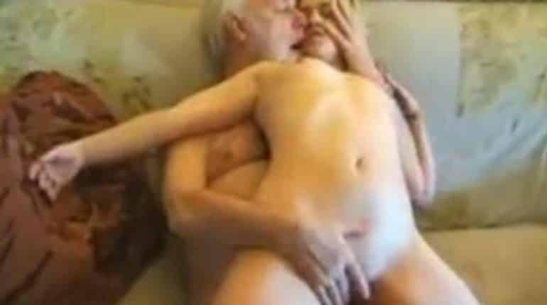 abuelos gay follando dubai escort gay