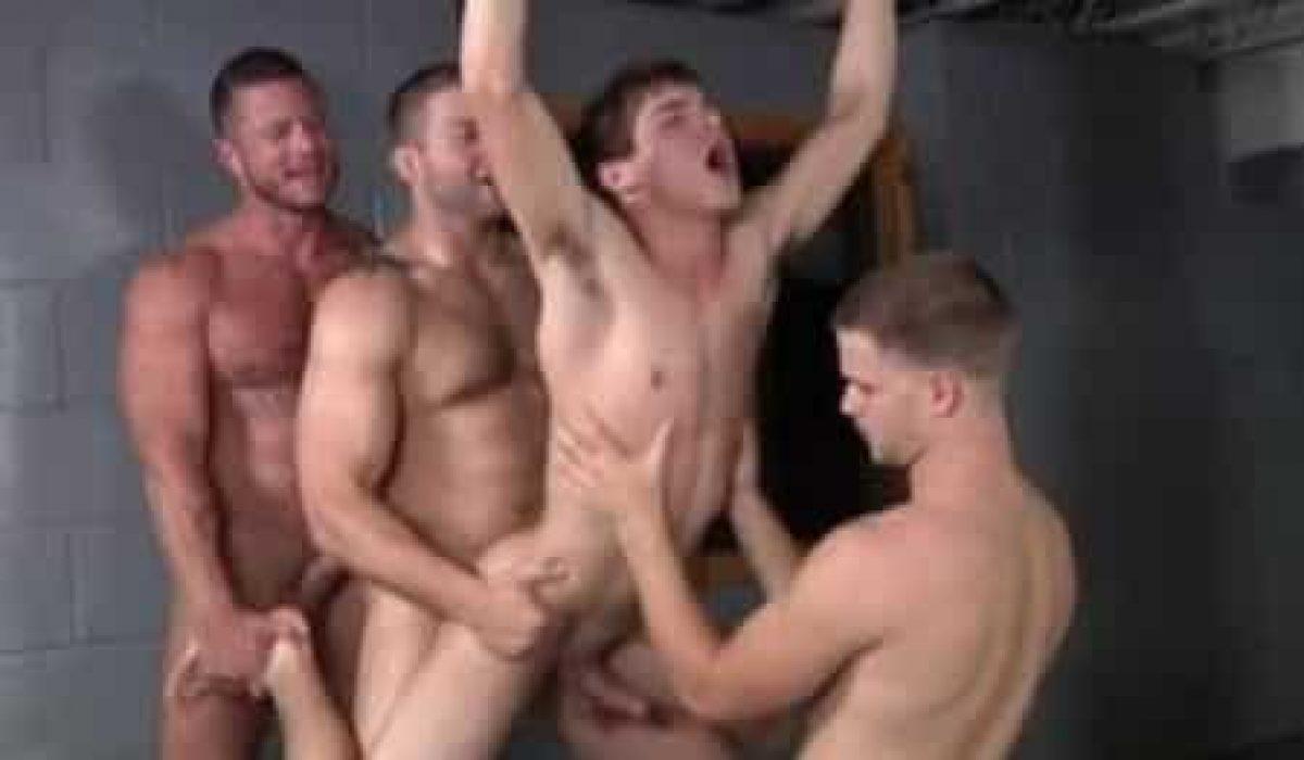 Amigos Porno Hombres solo seria una noche de fiesta con mi amigo y termine
