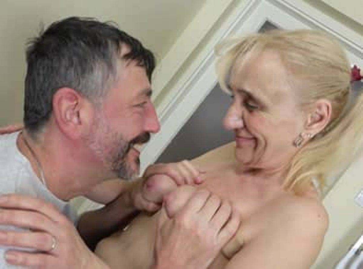 Ancianas Haciendo El Amor como me calienta mi vecina de 70 años | relatos porno