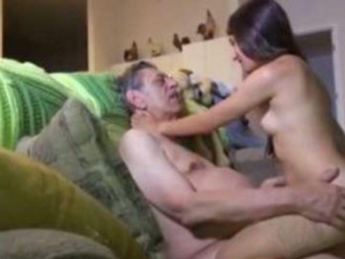 Abueio Hija Y Nietas Relatos Porno Incesto Xxx alicia y su abuelo se conocen en profundidad. todo comienza